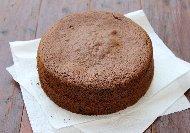 Лесен обикновен пандишпанов кекс / сладкиш с течен шоколад Нутела (със сода и кисело мляко)